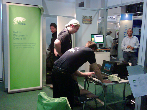 openSUSE Booth Day One