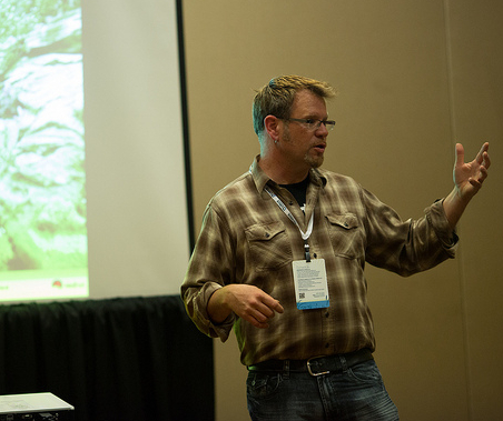 Karsten Wade speaking at Collaboration Summit in 2014.