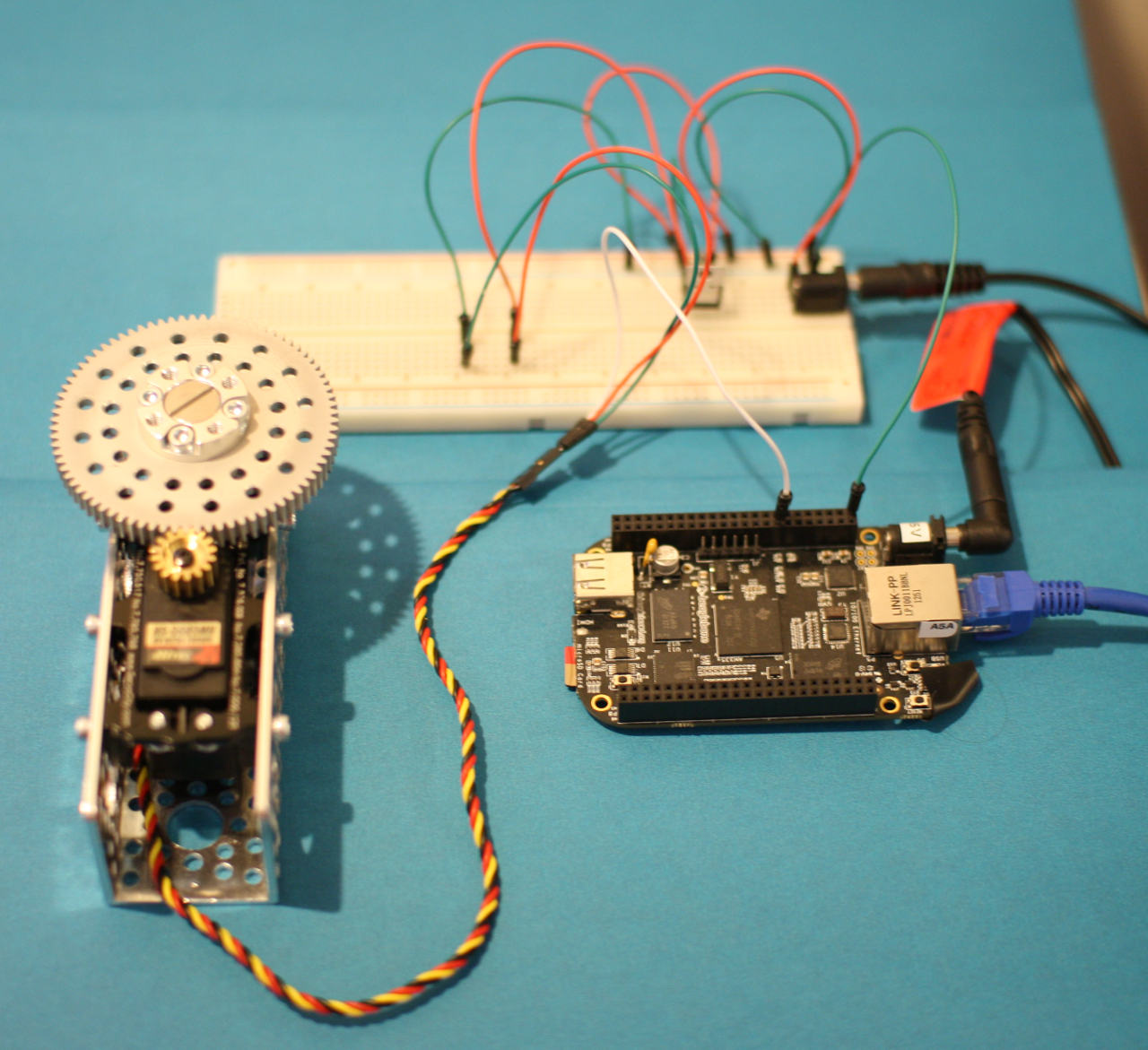 How To Control A Servo Motor From Beaglebone Black On Linux Pic Circuit Anatomy Of