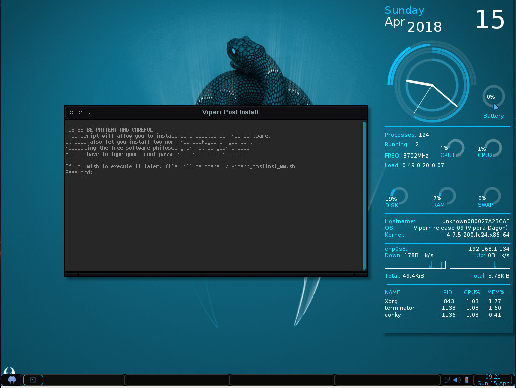 Viperr Linux Keeps Crunchbang Alive with a Fedora Flair